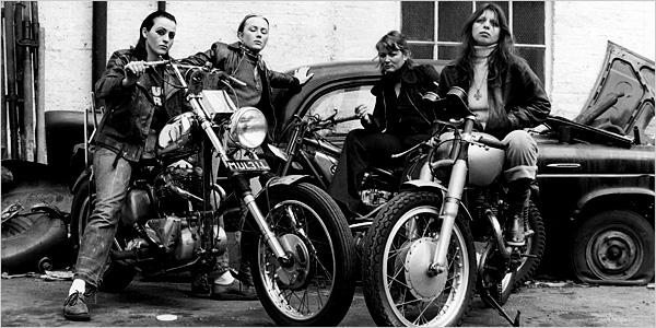 Uma gangue de motociclistas